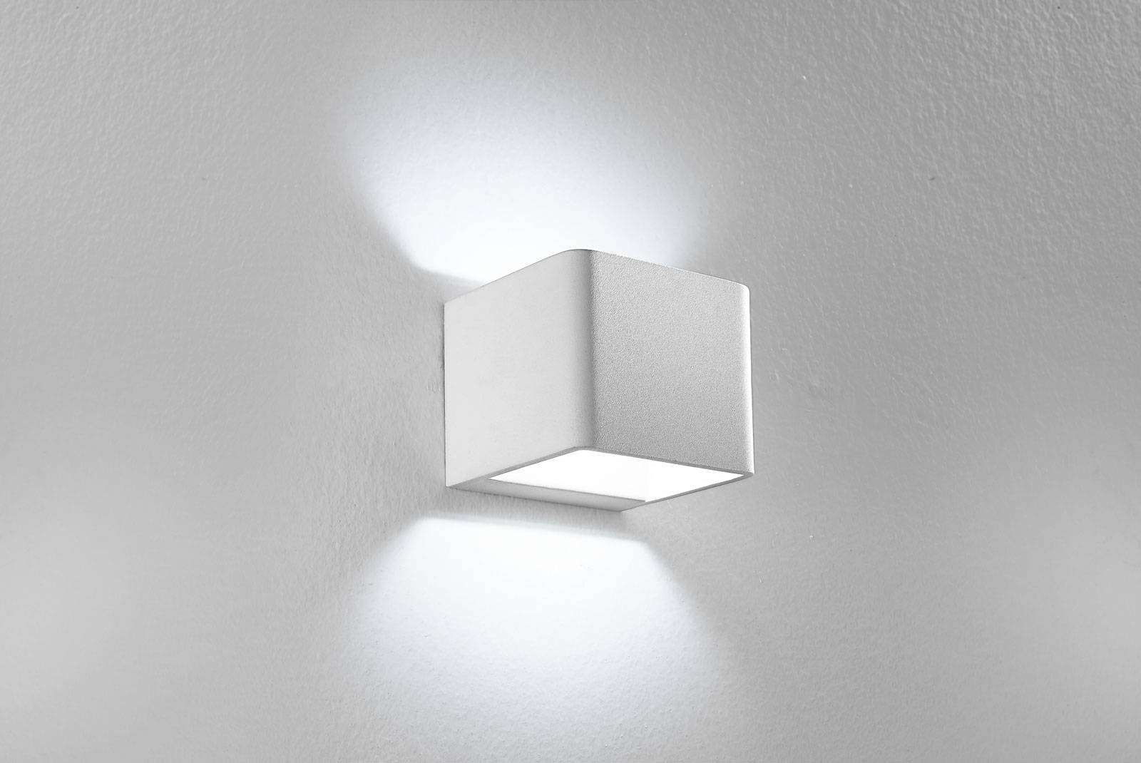Applique lampade da parete led luce luci roma tuscolana